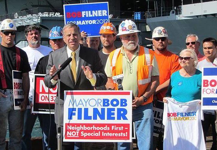 Bob Filner, exalcalde de San Diego, fue involucrado por una fuente anónima en las investigaciones de las donaciones de un empresario mexicano a campañas políticas. (baltimorepostexaminer.com)