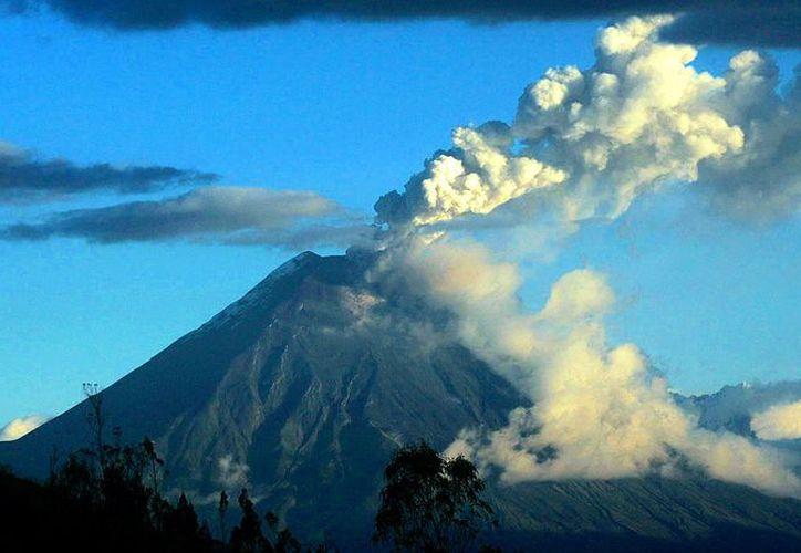 La actividad del volcán ecuatoriano Tungurahua va en ascenso. (infomistico.com)