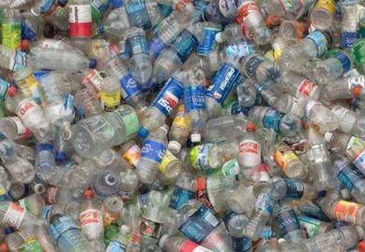 De todos los desechos que se reciben en las chatarreras sobresale el cartón. (Foto de Contexto/Internet)