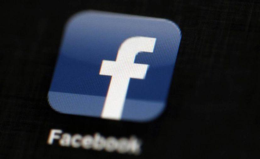 Facebook cuenta con unos mil 350 millones de usuarios en todo el mundo. (AP/Matt Rourke)