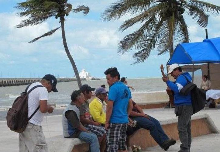 Para hoy y mañana se presentará evento de 'surada'. Autoridades recomiendan a la navegación marítima tomar precauciones. (SIPSE)