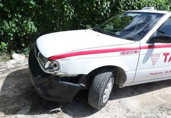 Un taxista fue hallado encajuelado dentro de su vehículo, en Tulum. (Redacción/SIPSE)