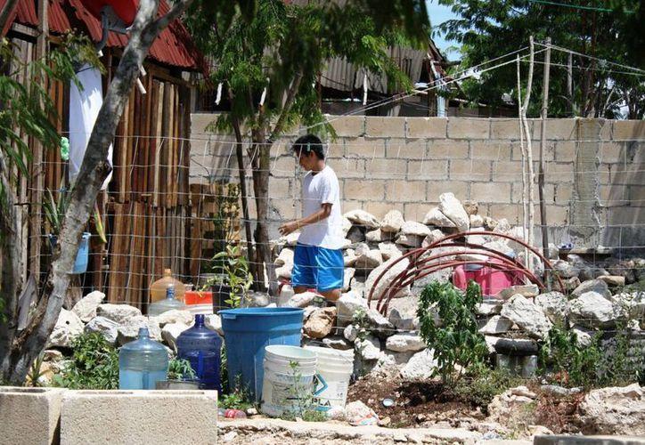 Los invasores de In House han resentido las precarias condiciones en las que viven. (Octavio Martínez/SIPSE)