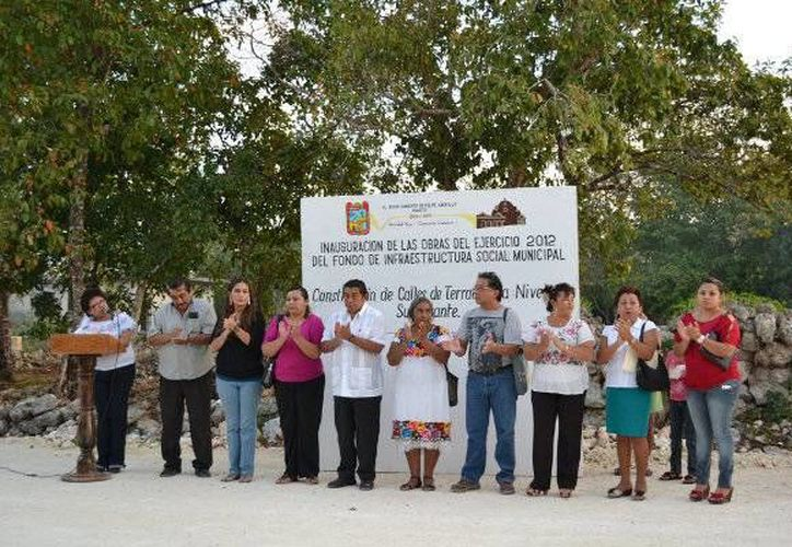 Autoridades del municipio inauguraron las obras viales. (Redacción/SIPSE)