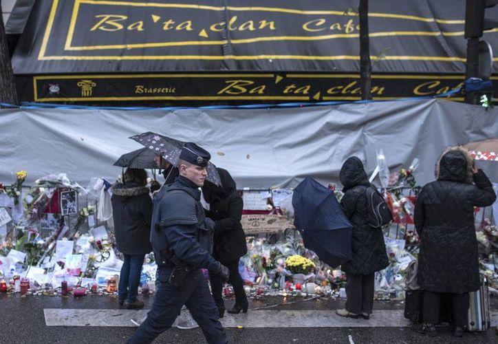 El 13 de noviembre de 2015 pintó de negro una de las páginas de la historia francesa. 130 personas murieron víctimas de terroristas. (Archivo/AP)
