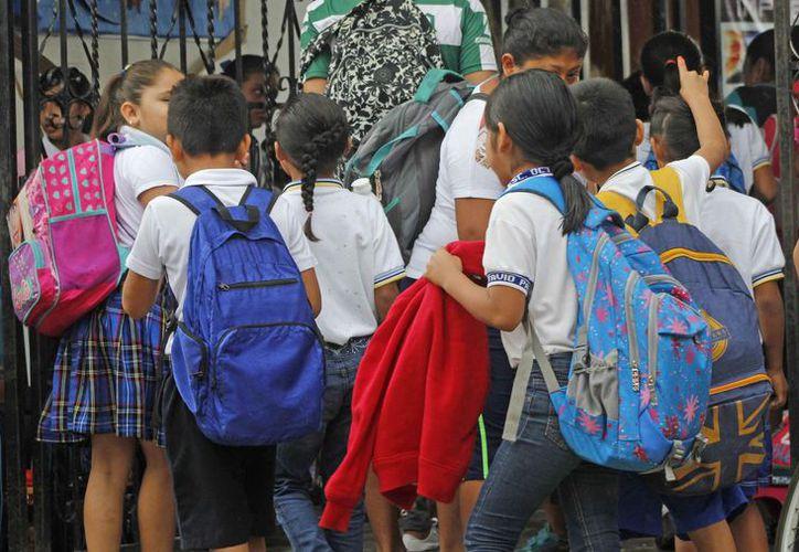 Los cambios son para menores que están por ingresar a preescolar, primaria o secundaria. (Jesús Tijerina/SIPSE)