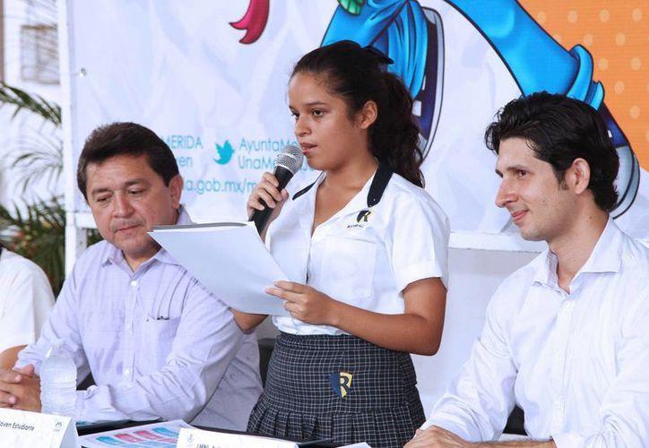 El programa del mes del estudiante se presentó en el Centro Escolar Rochavi, en el fraccionamiento Pensiones. (SIPSE)