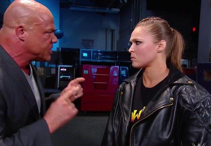 Ronda Rousey fue castigada por Kurt Angle (Foto: WWE)