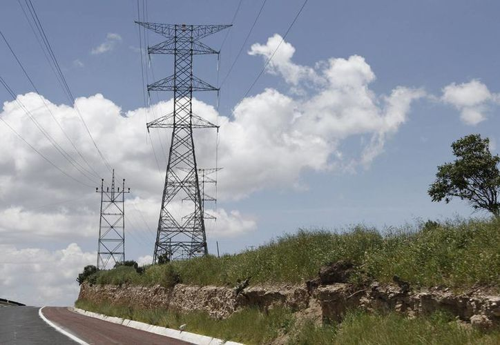 Indicaron que para 2021, 31 por ciento de la generación eléctrica se obtendrá con fuentes menos contaminantes para el medio ambiente. (Archivo/Notimex)