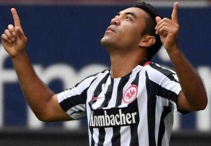 Marco Fabián no pudo jugar este miércoles con Frankfurt, que ganó 2-1 al Hannover en la Copa de Alemania y calificó a la ronda de los 16 mejores. (AP)