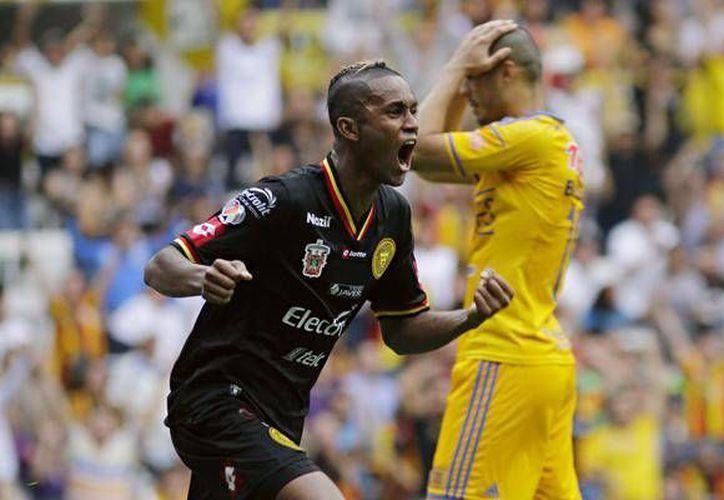 Ante Tigres de la UANL, Leones Negros anota por primera vez dos goles desde su regreso a la Primera División del futbol mexicano. (record.com)