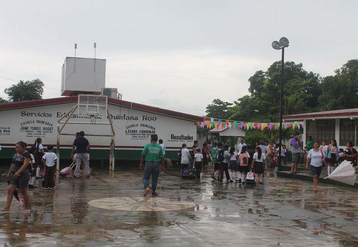 Se registra ausentismo en las escuelas de Lázaro Cárdenas por conjuntivitis. (Gloria Poot/SIPSE)