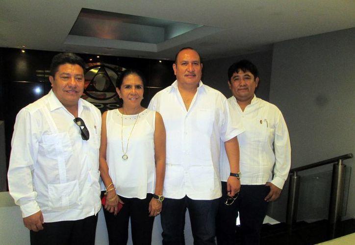 Integrantes del comité organizador del Festival Nacional de Folcklore, que se celebrará en parte en Mérida en agosto. (Milenio Novedades)