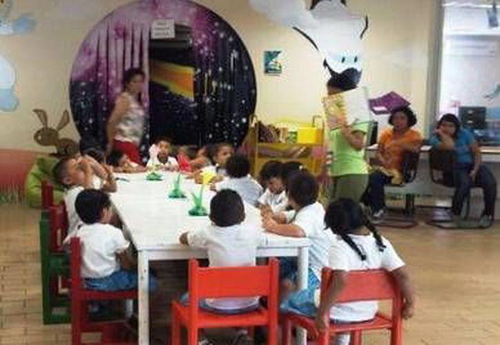 Los periódicos murales infantiles se enfocarán en la Navidad, piñatas y posadas. (Redacción/SIPSE)
