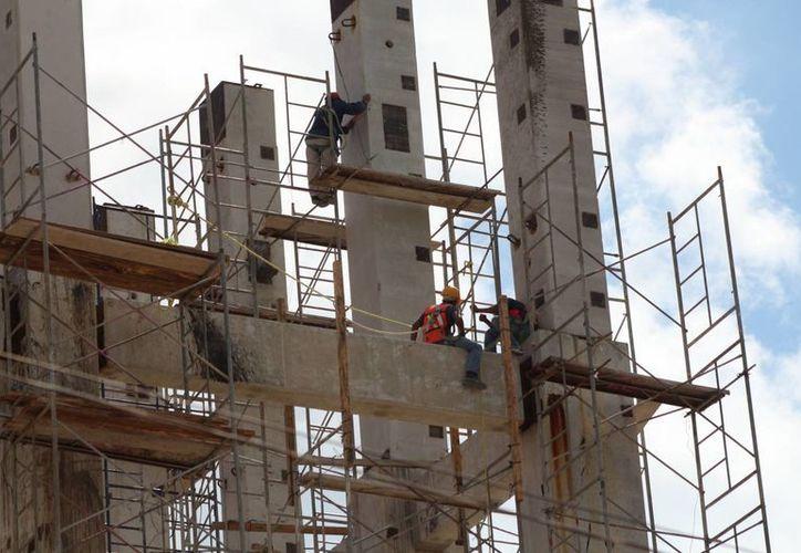 En lo que va del año, los accidentes en obras de construcción de Playa del Carmen han dejado tres decesos. (Adrián Barreto/SIPSE)