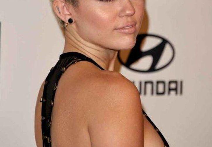 Todavía falta saber quién de los padres de Miley se quedará con la custodia de su hermana menor.(mundotkm.com/Archivo)
