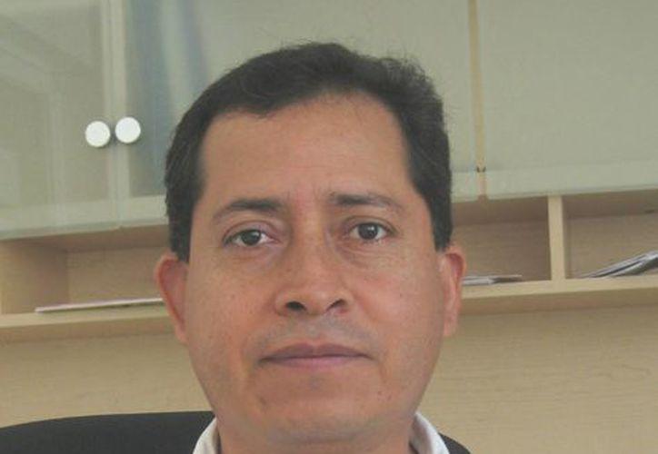 Director del Hospital Integral de Bacalar, Guillermo Hinojosa Mendoza. (Javier Ortiz/SIPSE)