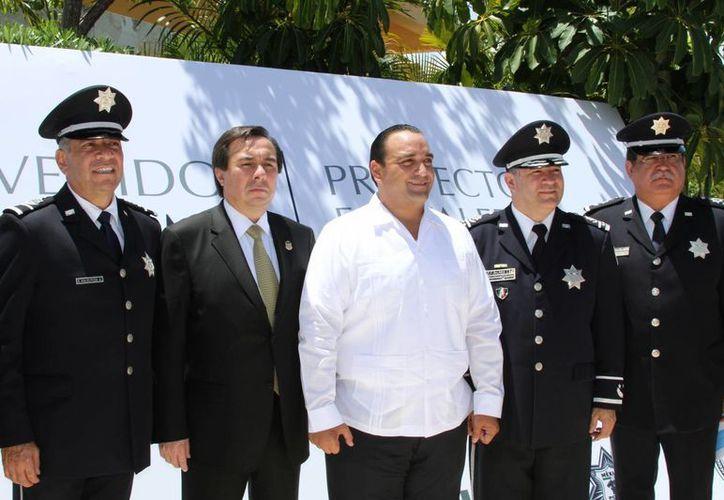 El gobernador Roberto Borge Angulo destacó la importancia de que Quintana Roo haya sido elegido como sede de la reunión de la Interpol.  (María Mauricio/SIPSE)