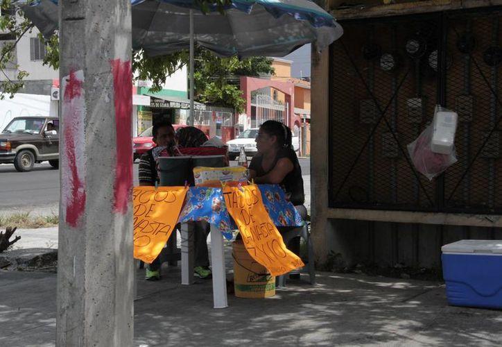 Identifican a vendedores que trabajan en la informalidad. (Tomás Álvarez/SIPSE)