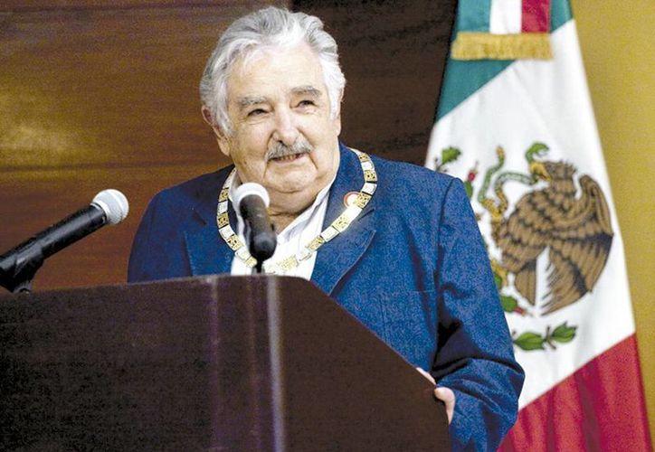 El mandatario uruguayo relacionó a México con las películas de Jorge Negrete y Cantinflas. (Milenio)