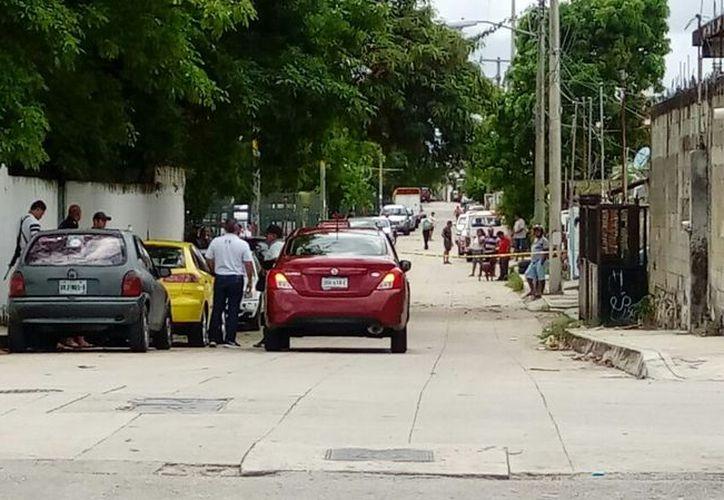 El asalto se registró en la esquina de las calles 109 y 50 de la Región 94. (Eric Galindo/SIPSE)