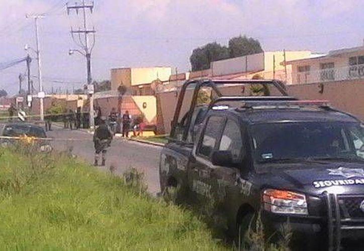 El sitio donde fue baleado la mañana del lunes 17 de octubre de 2016, en la población de Metepec, Vicente Antonio Bermúdez Zacarías, juez federal del Estado de México. (Foto: Claudia González/Milenio)