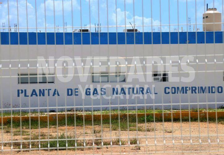Por día se esperan recibir 250 millones de pies cúblicos de gas natural. (Jorge Acosta/Novedades Yucatán)