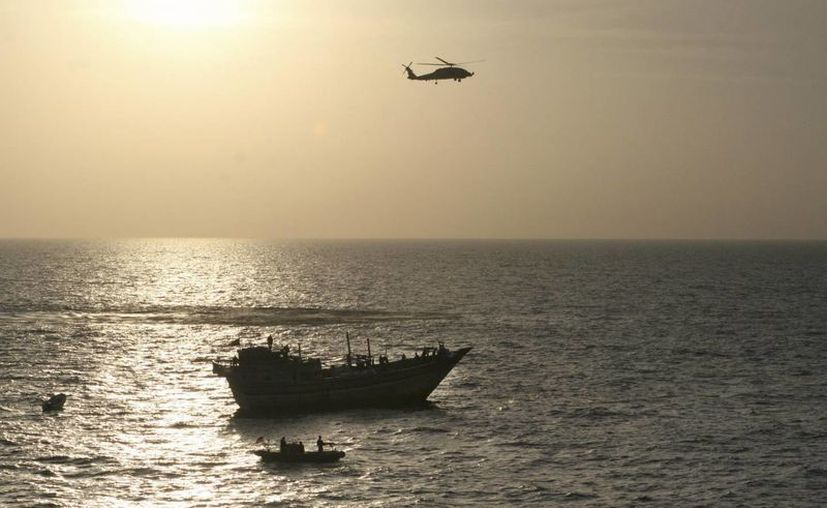 Junto con el USS Pickney, el USS Kidd barre con sonares las aguas del Golfo de Tailandia en busca de restos del avión desaparecido desde el viernes. (EFE/Archivo)