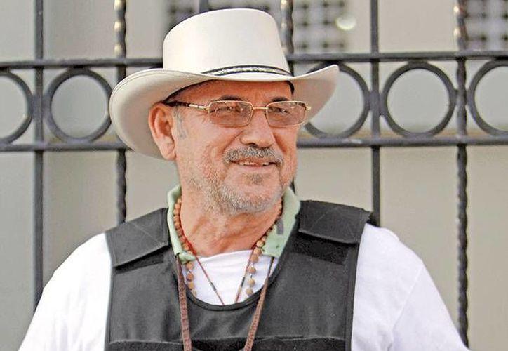 La procuraduría michoacana asegura que hay elementos para señalar a Hipólito Mora en el homicidio de dos hombres. (Excélsior)