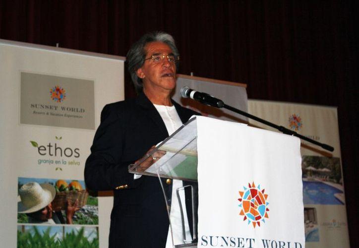 Orlando Arroyo Marroquín, presidente del Consejo de Administración de Sunset World Resort & Vacation. (Yenny Gaona/SIPSE)