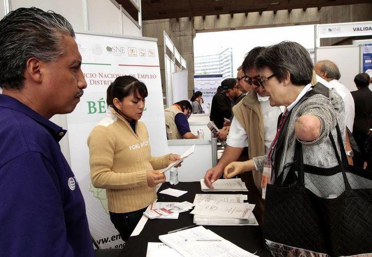 La informalidad laboral en México se elevó en septiembre de 57.53 a 58.01 %, según el Inegi. (Notimex)