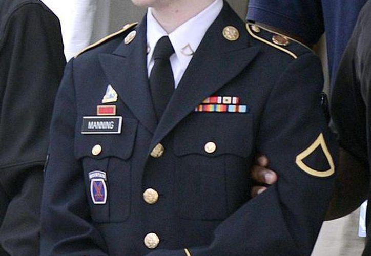 """Manning solicitó iniciar una terapia de cambio de sexo y que se le trate como a una mujer bajo el nombre de """"Chelsea"""". (Archivo/EFE)"""