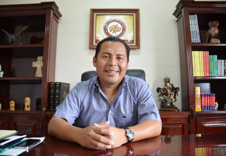 El comisariado Walter Puc Novelo dijo que ha bajado el precio de las parcelas por la invasión. (Yenny Gaona/SIPSE)