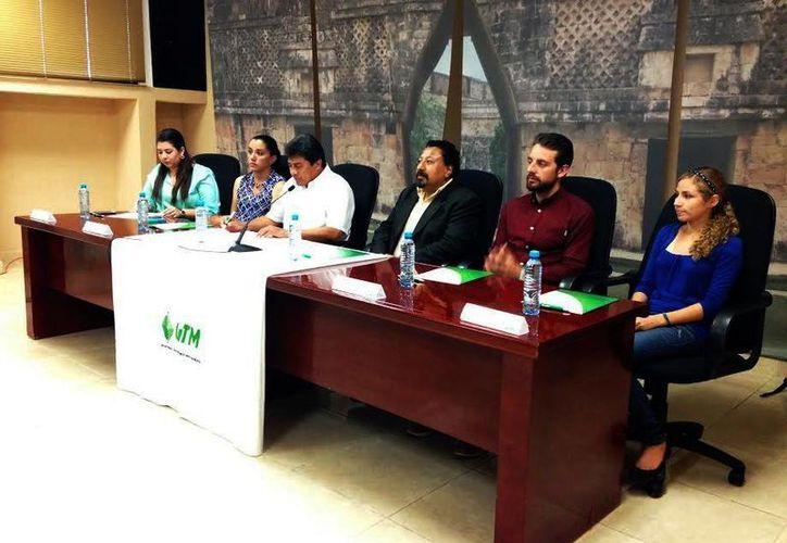 Autoridades de la UTM y de Amestur fortelecen vínculos para ofrecer becas a los alumnos yucatecos. (Milenio Novedades)