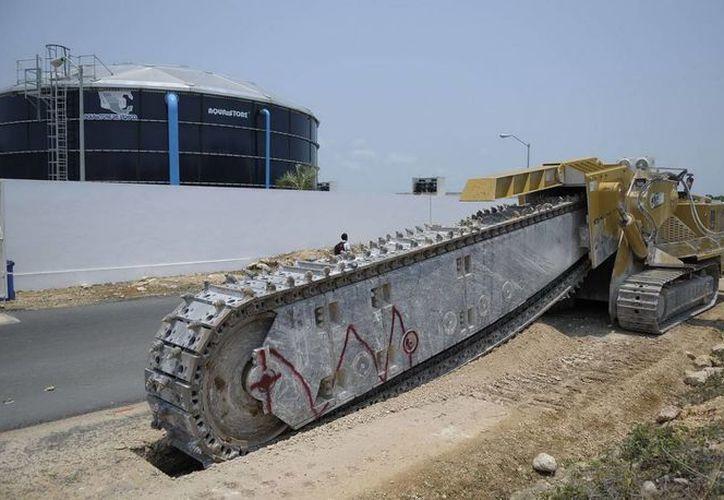 El colector de aguas residuales garantizará el desarrollo futuro de la zona. (Redacción/SIPSE)