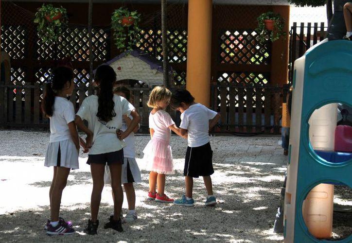 Los niños con déficit de atención son muy inquietos y les cuesta mucho concentrarse. (Octavio Martínez/SIPSE)