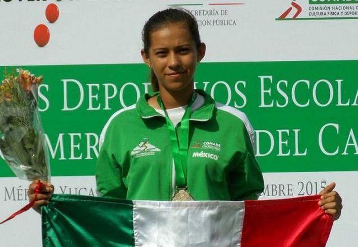 La arquera Esmeralda Sánchez tuvo una actuación destacada en los pasados destaca en los Jedecac. Con apenas 17 años, la yucateca ya brilla incluso en competencias internacionales. (Archivo SIPSE)