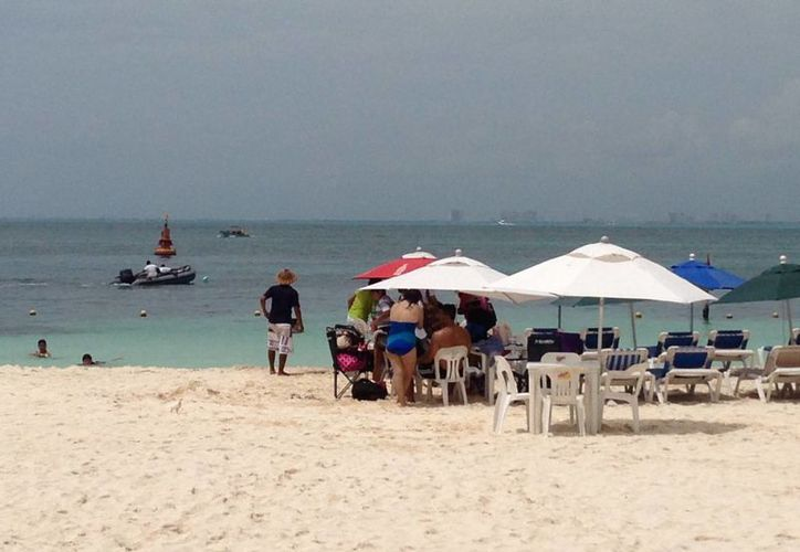 Aumenta la presencia de turistas nacionales y extranjeros en la isla. (Lanrry Parra/SIPSE)
