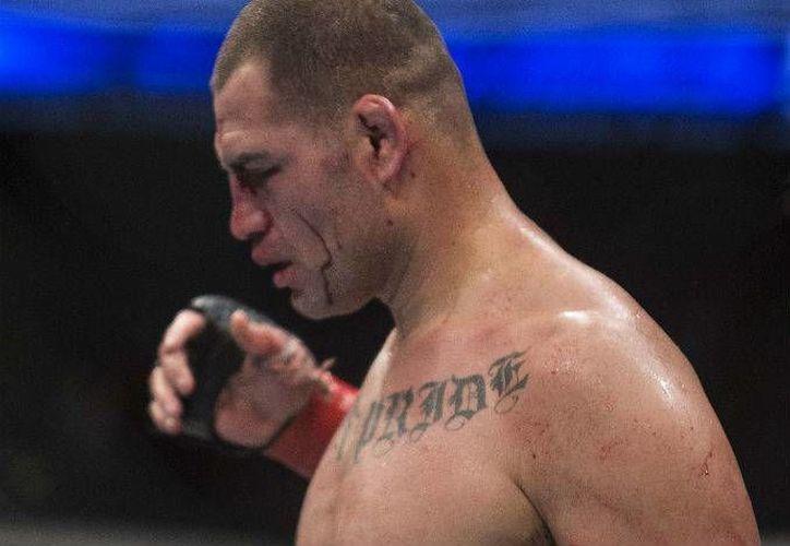 Debido a una lesión, Caín Velázquez no podrá estar en la estelar de la UFC 196, que se realizará el próximo seis de febrero en el MGM Grand Garden Arena de Las Vegas. (Archivo AP)