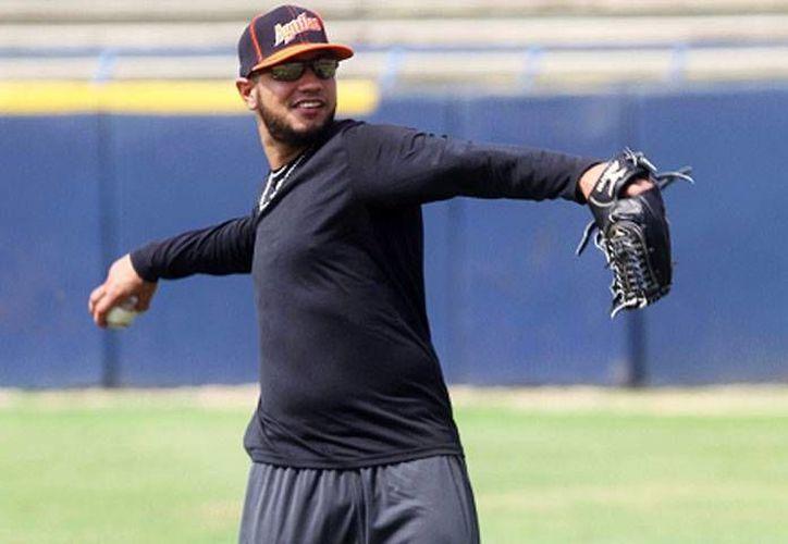 El pelotero cubano, será admitido por Tigres después de causar baja en el equipo de Kansas City. (Francisco Gálvez/SIPSE)
