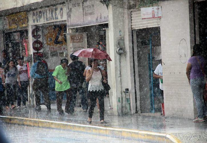 En Yucatán la depresión tropical 10 ocasionarán lluvias fuertes principalmente por la tarde, desde hoy y hasta el fin de semana, excepto el jueves, de acuerdo a pronósticos de Conagua. (SIPSE)