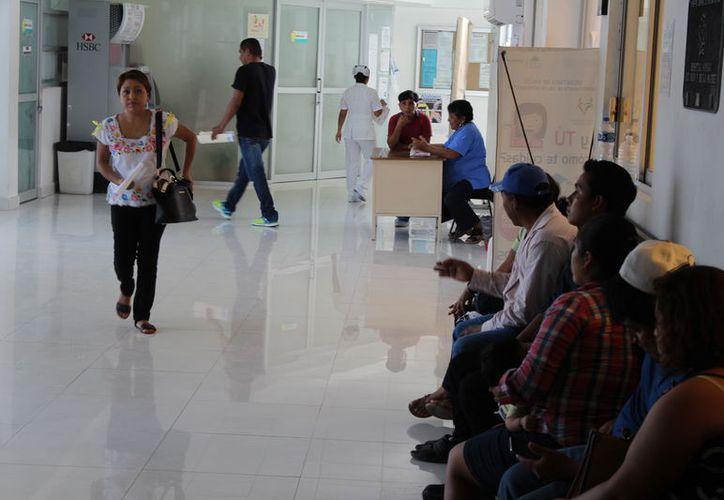 Dos personas contactaron a las autoridades por internet, preguntando por los espacios de 'disponibilidad' de los empleos. (Joel Zamora/SIPSE)