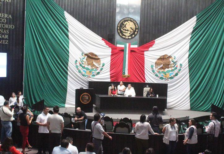 El arranque del primer periodo ordinario de sesiones de la XVI Legislatura fue cancelado. (Daniel Tejada/SIPSE)