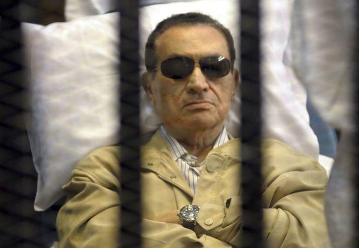 Mubarak está ingresado en el Hospital Militar de Maadi, en El Cairo, por las heridas sufridas al caerse en el baño de la prisión. (EFE)