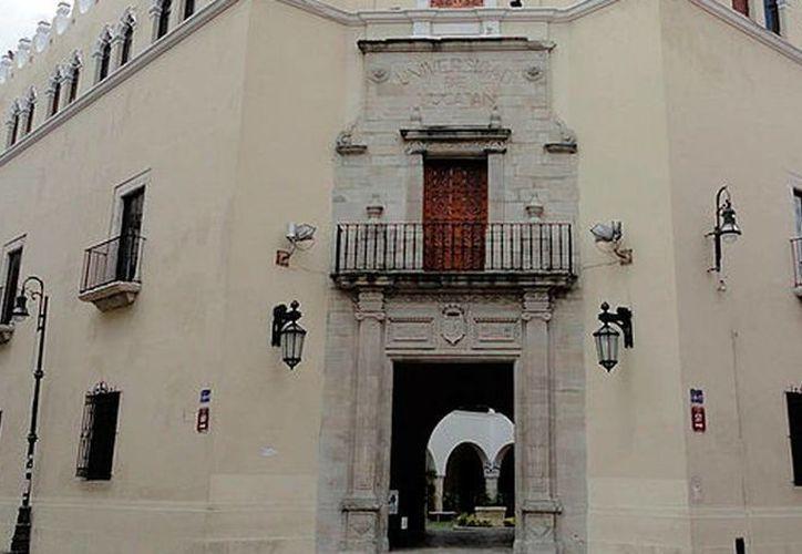 Los integrantes del Decimoséptimo Consejo Universitario tomaron protesta este miércoles, en las instalaciones centrales de la Uady. Serán los encargados de las decisiones de la comunidad universitaria. (Archivo/SIPSE)