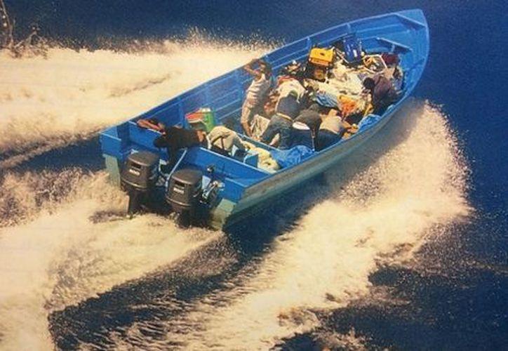 En la primera embarcación detuvieron a ocho personas, cuatro mexicanos y cuatro ecuatorianos. (Milenio)