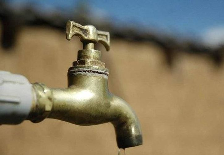 Vecinos del fraccionamiento Las Américas se quedaron sin agua potable. (Archivo/ SIPSE)