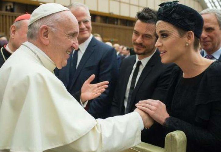 Katy Perry y Orlando Bloom viajan juntos al Vaticano. (Foto: Internet)