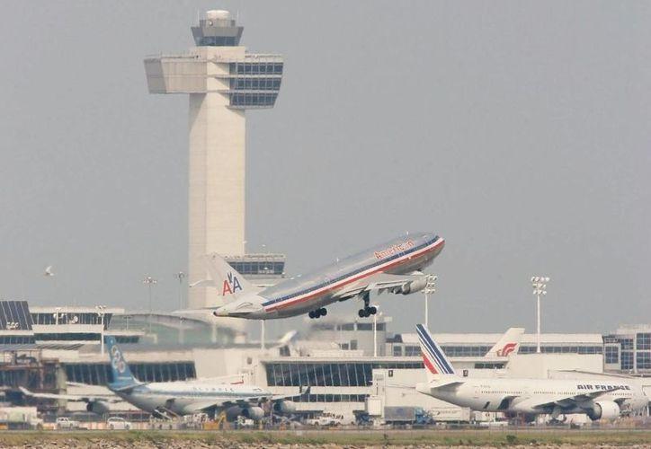 En los últimos días, varios vuelos con origen o destino en Estados Unidos han recibido diversas amenazas, algunas consideradas no creíbles por las autoridades. (EFE)