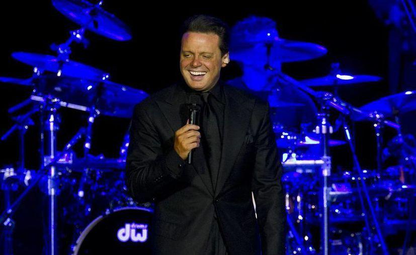 """Autoridades del Caesars dijeron que Las Vegas y el estado de Nevada también harán un reconocimiento al cantante de 43 años, conocido como """"El Sol de México"""". (Agencias)"""